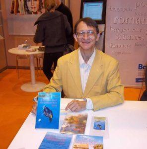 Patrick Huet au salon du livre de Paris.